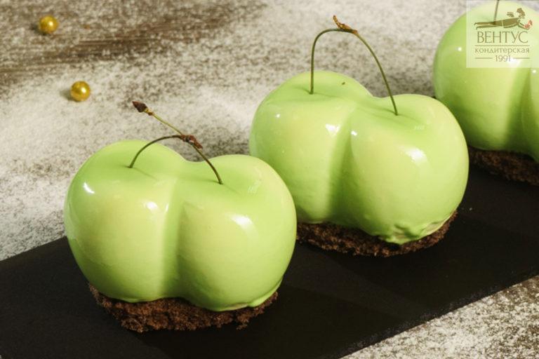Пирожное зеленое яблоко